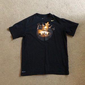 Nike dri-fit Lebron James tee shirt